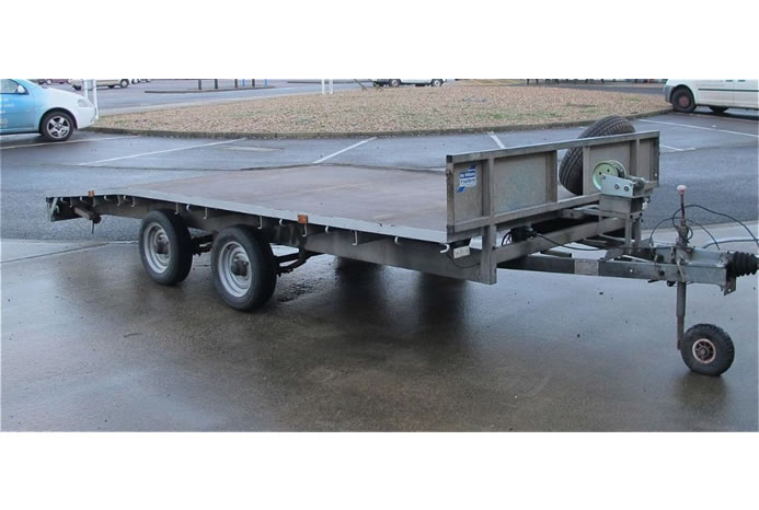 14 ft Flatbed Beaver Tail Trailer