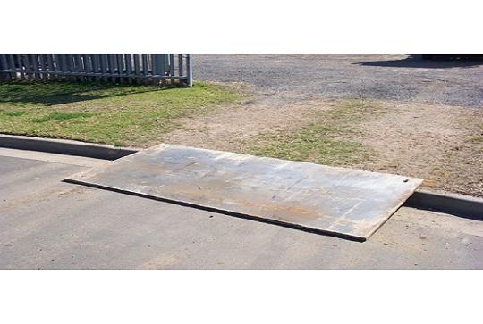 8 x 4 Steel road plates